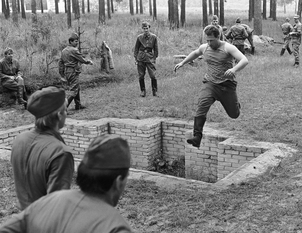 Военные сборы студентов журфака МГУ,1989 год