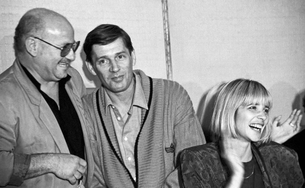 С Марком Рудинштейном и Александром Абдуловым на встрече в Гильдии актеров, 1991 год