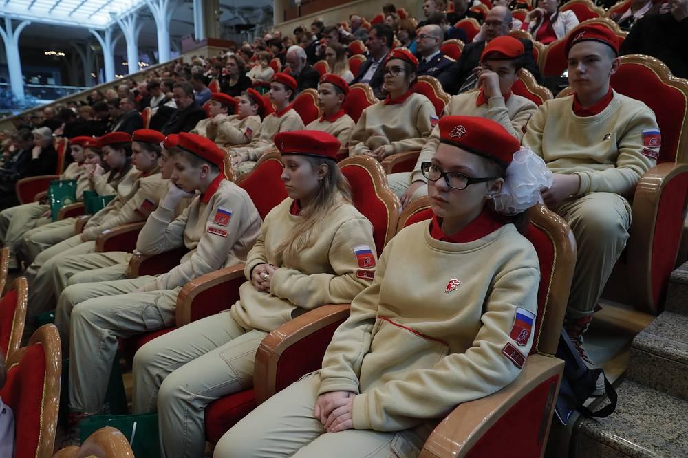 Юнармейцы на открытии XXI Всемирного русского народного собора