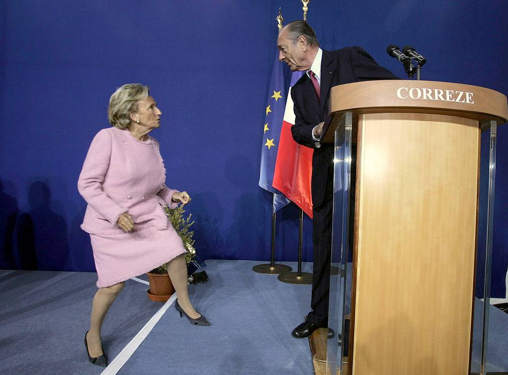 Бернадетт и Жак Ширак во время обращения президента к своим избирателям в Тулле, 2007 год