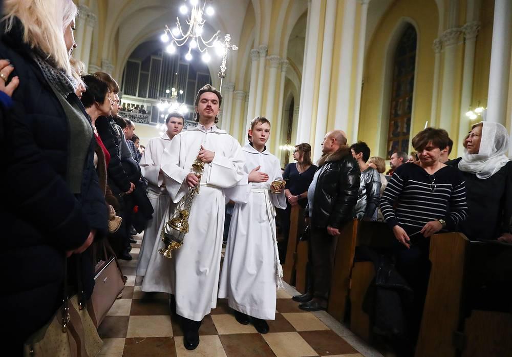Рождественская месса в Римско-католическом кафедральном соборе Непорочного зачатия Пресвятой Девы Марии
