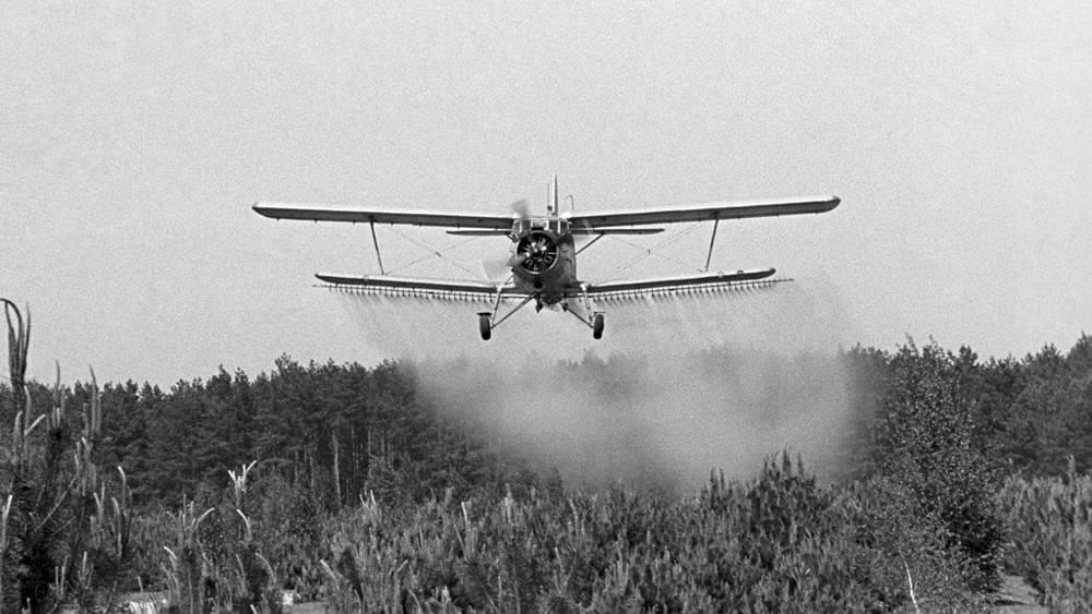 Украинская ССР. Обработка с воздуха местности в районе аварии