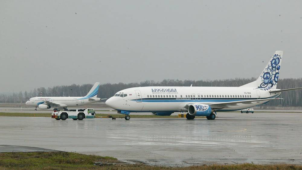 Boeing 737-484 Московия