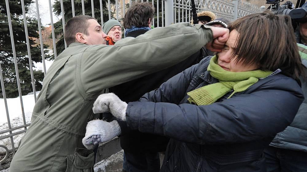 14 марта. Столкновения сторонников и противников группы