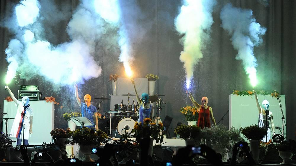 3 июля. Акция Pussy Riot на концерте группы Faith No More в Москве