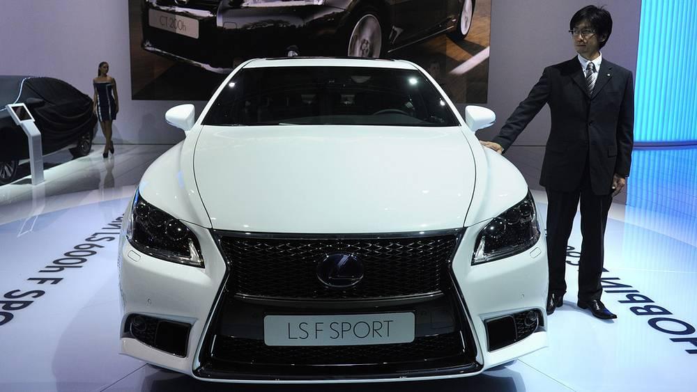 Гибридный суперкар Lexus F SPORT