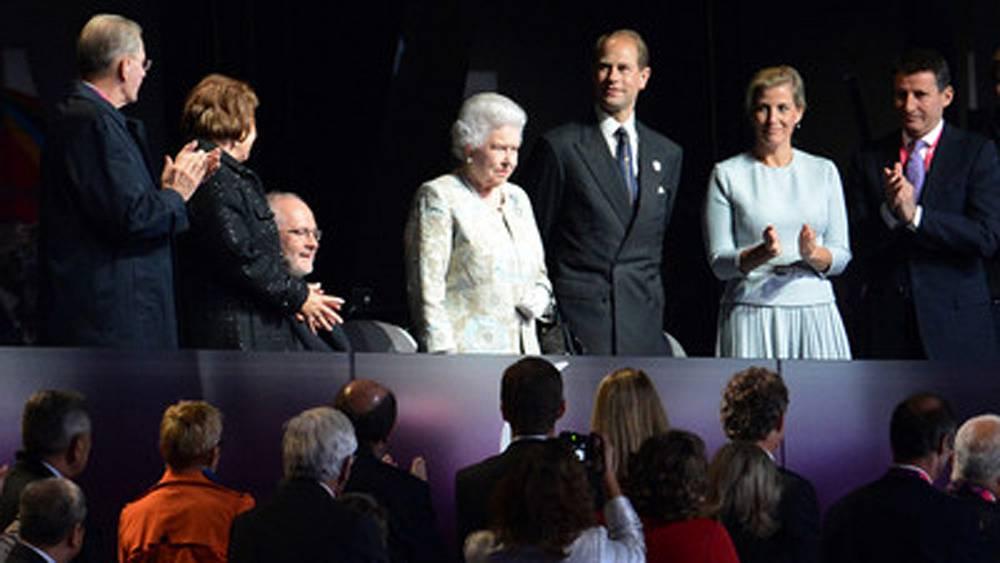 Королева Великобритании Елизавета II. Церемония открытия