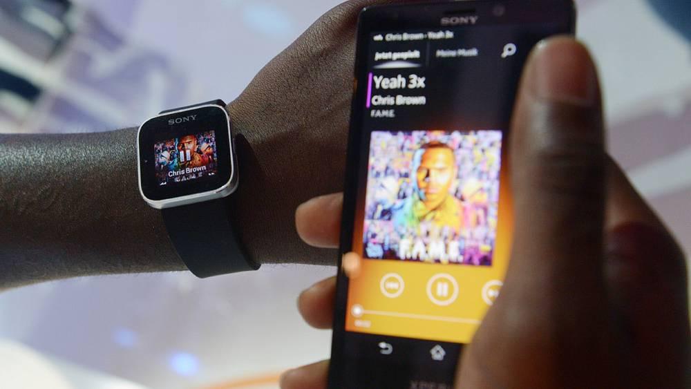 Часы Sony, отображающие сообщения, звонки и фотографии через Bluetooth