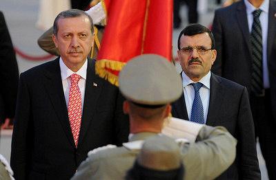 Глава правительства Туниса Али аль-Арейд и премьер-министр Турции Тайип Эрдоган