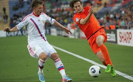 Российские футболисты с трудом сдерживали атаки соперника