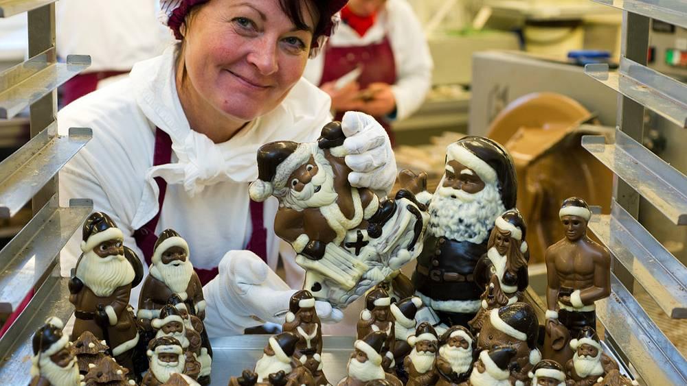 Изготовление рождественских сладостей в Германии