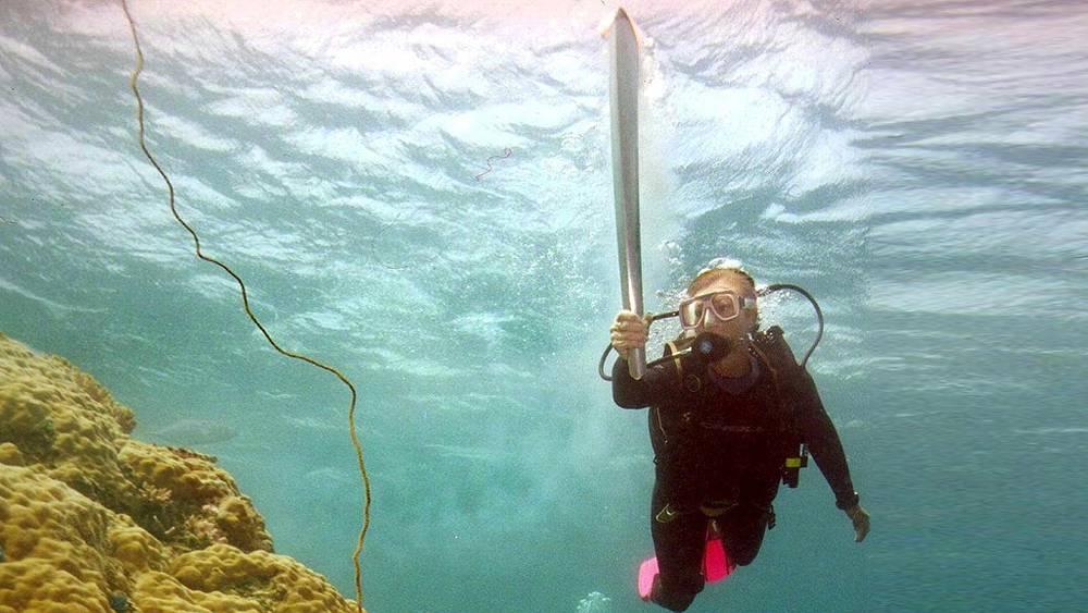 Часть эстафеты Огня Олимпийских Игр в Сиднее прошла под водой. Большой Барьерный Риф. 2000 год
