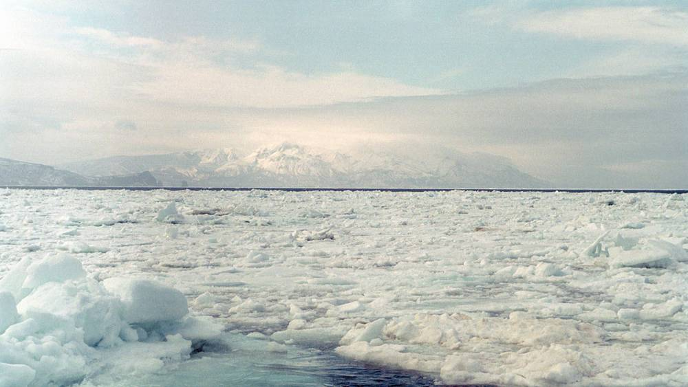 Вид на остров Симушир