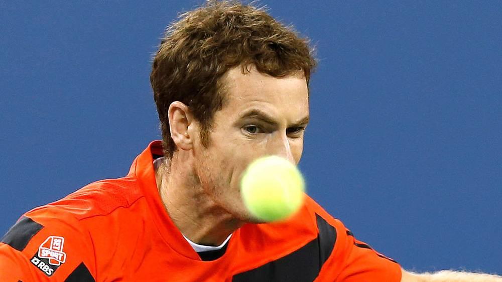Британский теннисист Энди Маррей в матче против спортсмена из Узбекистана Дениса Истомина в четвертом круге. Фото EPA/JASON DECROW