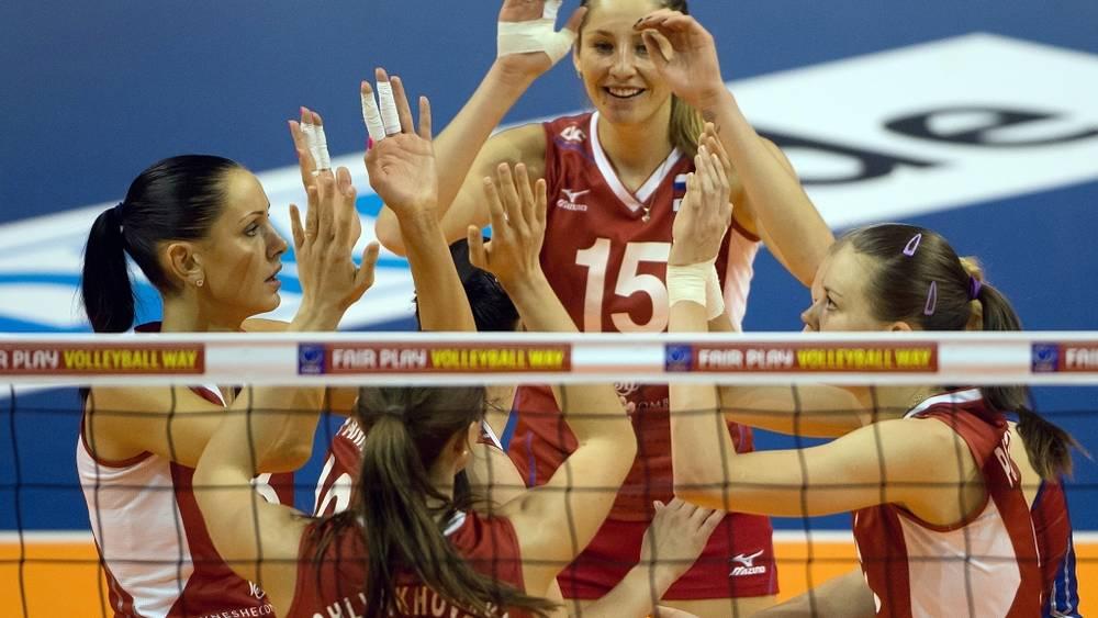Радость российских волейболисток. Фото EPA/Soeren Stache