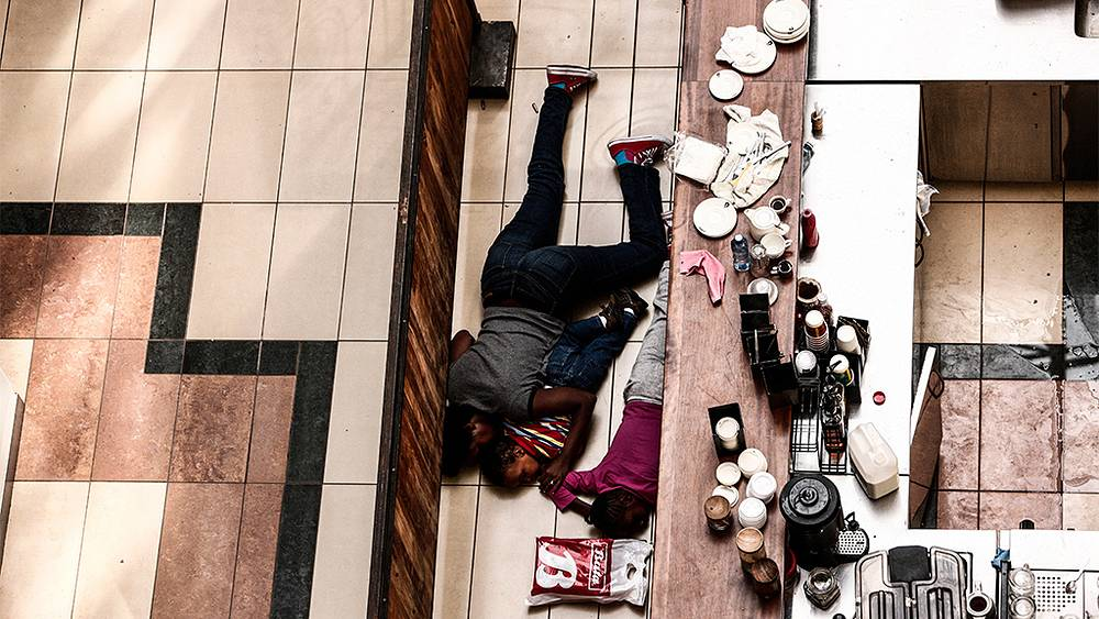 "Заложники в торговом центре ""Уэстгейт"". Фото EPA/KABIR DHANJI"