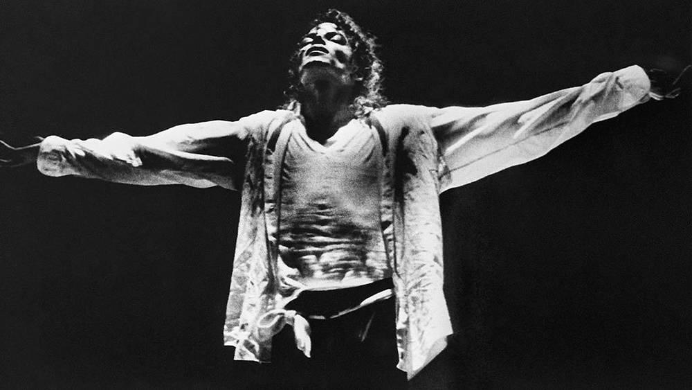 Майкл Джексон во время выступления в Лос Анджелесе, 1989 г.