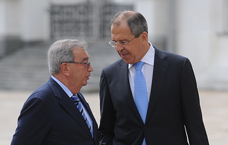 Russian Foreign Minister Sergey Lavrov (right) and former Russian PM Yevgeny Primakov