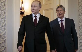 Russian President Vladimir Putin and Kyrgyz President Almazbek Atambayev