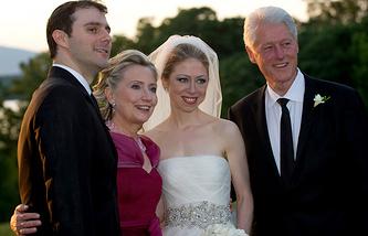 В августе 2010 года Челси вышла замуж за банкира из Нью-Йорка Марка Мезвински