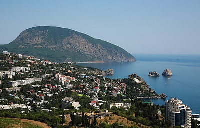 More than 500,000 Ukrainians spend holidays in Crimea — minister