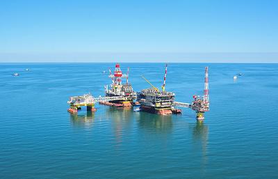 """Власти: """"Лукойл"""" в 2016 году добыл на Каспии на четверть больше нефти, чем в прошлом году"""