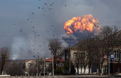 СМИ: более 70 человек ранены при взрывах на военном складе под Харьковом