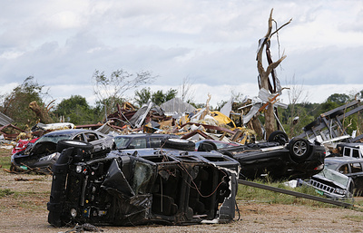 Число жертв стихии на юге и в центральной части США возросло до 13 человек