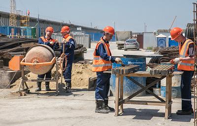 На стройке Керченского моста началась вахта студенческих стройотрядов