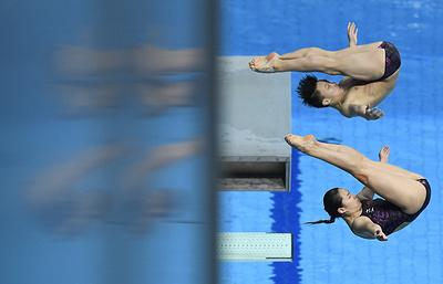 Китайцы Ли Чжэнь и Ван Хань выиграли ЧМ в синхронных прыжках с 3-метрового трамплина