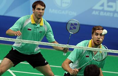 Россияне Иванов и Созонов стали третьими на этапе Суперсерии по бадминтону в Токио в паре