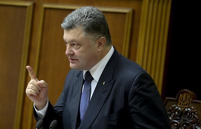 Суд обязал полицию открыть дело против Порошенко из-за лишения гражданства Саакашвили