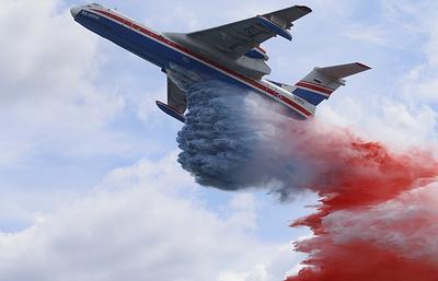 МЧС до конца 2017 года получит третий самолет-амфибию Бе-200 для тушения пожаров в Сибири