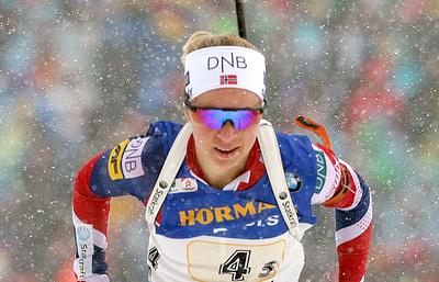 Норвежка Экхофф выиграла спринт на этапе КМ по биатлону в Италии