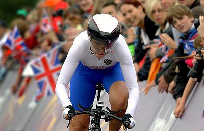 Россиянки Забелинская и Новолодская стали третьими в мэдисоне на этапе КМ по велотреку