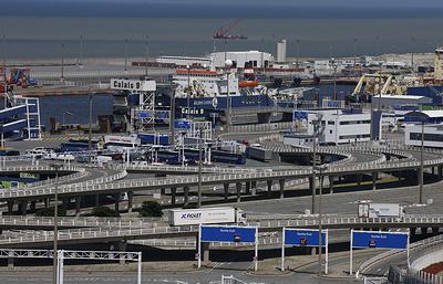 Французский порт Кале приостановил работу из-за забастовки рыбаков