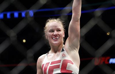 Шевченко победила бразильянку Качоэйру на турнире UFC