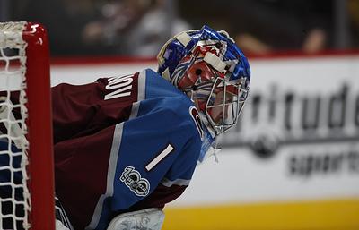 Голкипер «Колорадо» Варламов признан первой звездой победного матча НХЛ против «Монреаля»