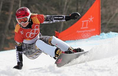 Чешская сноубордистка Ледецкая стала чемпионкой ОИ в параллельном гигантском слаломе