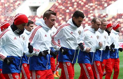 Смолов и Головин вошли в состав сборной России на товарищеский матч с бразильцами