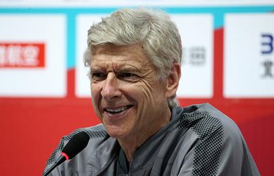 """Тренер """"Арсенала"""" Венгер отметил высокий технический уровень российских..."""