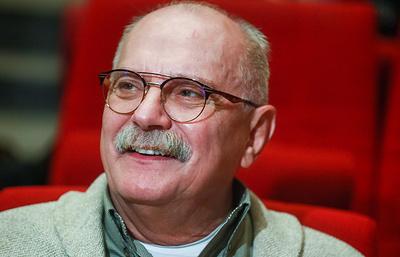 Михалков: политическая ситуация не оказала большого влияния на подготовку к ММКФ