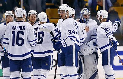 """""""Торонто"""" сократил отставание в серии плей-офф НХЛ с """"Бостоном"""""""