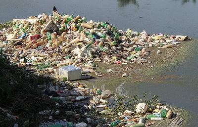 Time: из ежегодно попадающего в океан пластика можно строить 19 небоскребов