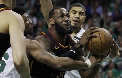 """""""Бостон"""" вновь вышел вперед в серии плей-офф НБА с """"Кливлендом"""""""