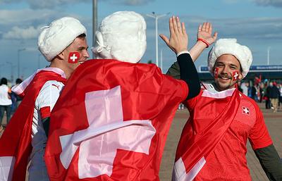 Сербские болельщики заполонили улицы Калининграда в преддверии матча ЧМ со швейцарцами
