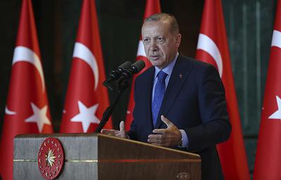 """Эрдоган обвинил США в намерении нанести Турции удар """"в спину"""""""