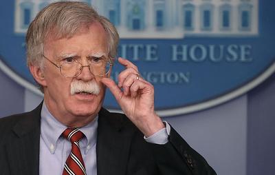 Болтон: США пытаются не дать Китаю, Ирану и КНДР вмешаться в ход американских выборов