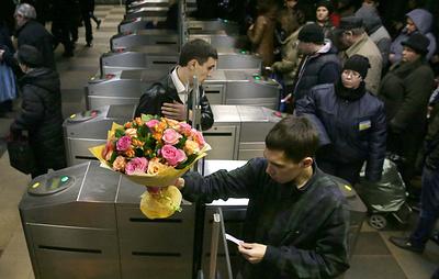 Турникеты в Москве оснастят системой распознавания лиц для покупки билета на электричку