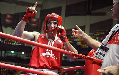 Россиянин Бетербиев проведет защиту титула чемпиона мира IBF с британцем Джонсоном